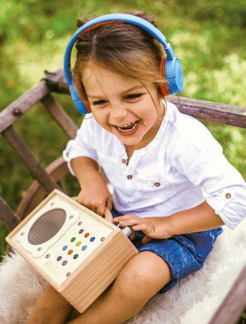 Spaß mit Bluetooth-Kopfhörer und mp3-Player für Kinder